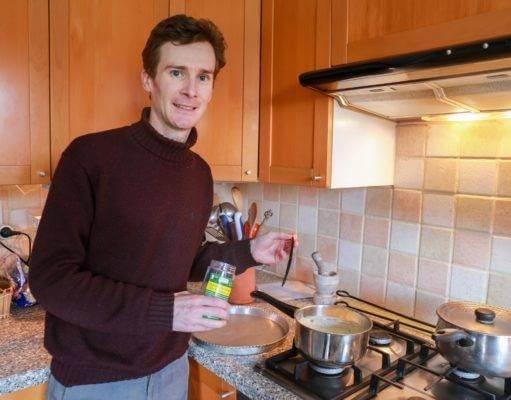 Georges Castel, Expert dans la vanille test notre gousse de vanille de Madagascar