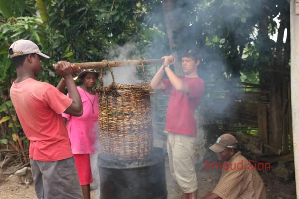 préparation de la gousse de vanille bourbon de Madagascar